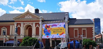 """Tarptautinis gatvės teatrų festivalis """"Šermukšnis"""""""